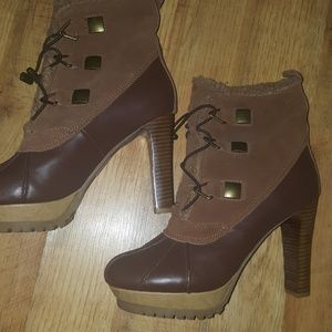 Aldo size 11 heeled boots